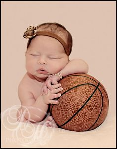 Basketball Baby- Evans, now this is how I picture baby girl Evans:) LOVE! Newborn Shoot, Baby Girl Newborn, Basketball Baby Pictures, Baby Shots, Baby Kids, Baby Boy, Foto Baby, Baby Girl Photos, Basketball Crafts