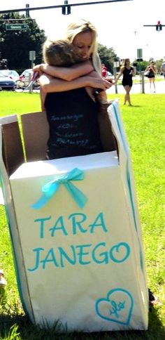 Bigs in a box for reveal.. love the colors! maybe a Tiffany's style box for grand little? #aphi #cute