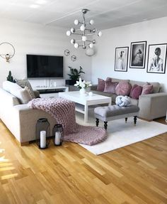 Undoubtedly Elegant Pink Living Room Ideas That Will Stun You 12 - grhaku My Living Room, Home And Living, Living Room Decor, Bedroom Decor, Interior Design Living Room, Living Room Designs, Bedroom Color Schemes, Living Room Inspiration, Home Decor Furniture