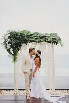 16 Photos that Prove This Wedding Trend is Not Going Anywhere Soon | Photo Credit: Terralogical Wedding Photography