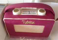 Retro Roberts radio cake