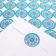 Sticker, desenli karton, renkli zarf ve daha fazlası…