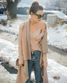 Beautiful Nina wears KUKLA rosé & calls it: masterpiece! We loooove! Plus Size Winter Outfits, Winter Outfits For Work, Holiday Outfits, Colour Combinations Fashion, Fashion 2017, Womens Fashion, Winter Trends, Ribbed Sweater, Winter Fashion