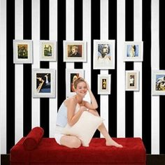 Black and white wide stripe wallpaper http://mjhomeshopping.blogspot.com/search/label/Wallpapers
