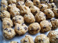 Whole-wheat chocolate chip oatmeal cookies