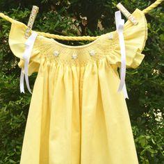He encontrado este interesante anuncio de Etsy en https://www.etsy.com/es/listing/238215943/baby-dress-girl-dress-hand-made-yellow