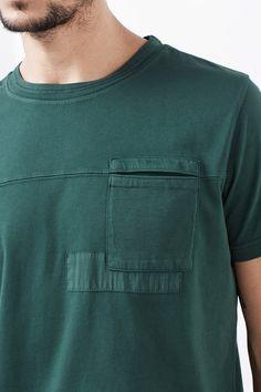 Esprit / Heavy cotton-jersey T-shirt + fabric, cotton Mens Tee Shirts, Polo T Shirts, T Shirt Men, Mode Choc, Herren Outfit, Camisa Polo, Facon, Tee Design, Shirt Style
