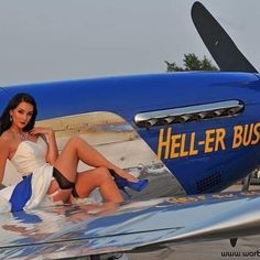 Vintage Planes The sassy and classy 2017 cover girl Victoria here from last years shoot with Hell-er Bust Auto Union 1000, Wiking Autos, Mode Pin Up, Pin Up Pictures, Pin Up Girl Vintage, Air Festival, Pin Up Models, Airplane Art, P51 Mustang