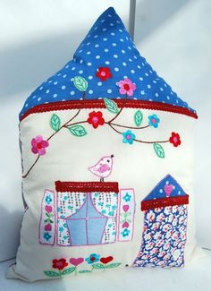 BLUE-HOUSE-CUSHION