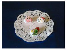 Confetti con Hello Kitty e Peppa Pig...  Il visetto spiritoso di Peppa Pig e quello dolce di Hello Kitty, tutto in miniatura.
