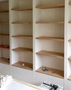 Built In Bookcase, Bookshelves, Home Wallpaper, Cabinet Design, Built Ins, Shelving, Home Improvement, Living Room, House Styles