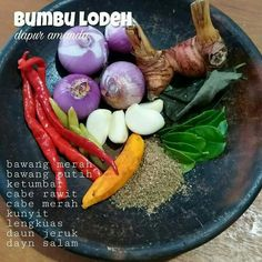 Bumbu Lodeh Cooking Ingredients, Cooking Recipes, Indonesian Cuisine, Indonesian Recipes, Malay Food, Homemade Spices, Malaysian Food, Meals In A Jar, Food Preparation