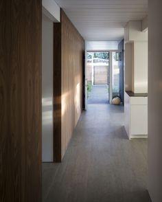 Appleberry Drive Residence, an Eichler home, in San Rafael, California by building Lab via @. HomeDSGN .