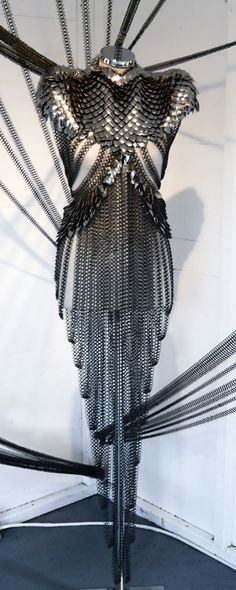 A Gorgeous Formal Chainmaille Dress by Designer Fannie Schiavoni Chainmaille, Larp, Looks Style, My Style, Female Armor, Female Elf, Body Armor, Mode Inspiration, Writing Inspiration