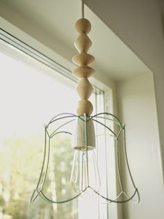 Take an old frame from a lampshade, spraypaint it and add some wooden beads from the craft store. Perfect in the kids room :) Old Frames, Candels, Diy Recycle, Spray Painting, Wooden Beads, Craft Stores, Kids Room, Ikea, Chandelier