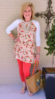 50 IS NOT OLD | VINTAGE FLORAL DESIGN | Colorful | Summer Outfit | Tunic and Leggings | Fashion over 40 for the everyday woman