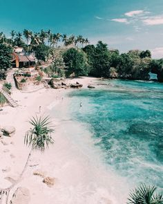 Nusa Lembongan & Nusa Ceningan a complete guide by Maya Gypsy Nusa Ceningan beaches Crystal Dive Award Winning 5 Star Scuba Diving on Tropical Koh Tao in Thailand.c … go link to read more… Voyage Bali, Destination Voyage, Places To Travel, Travel Destinations, Places To Visit, Beach Aesthetic, Travel Aesthetic, Nusa Ceningan, Cap Vert