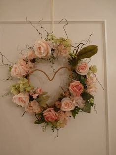 love this wreath... it hangs on Rebecca's workroom door... what a lovely invitation...