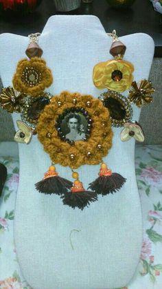 Collar Frida kahlo diseñado por Deseos Divinos Guadalajara  333 508 58 55