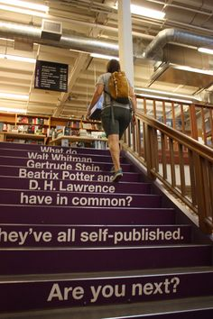 Powell's Books -- Portland, Oregon. Why have I never been here??? I must go!!