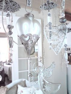 hanging hearts, just beautiful Heart Wreath, Heart Ornament, I Love Heart, Happy Heart, Silver Christmas, Diy Christmas Ornaments, Valentine Decorations, Xmas Decorations, Diy Buttons