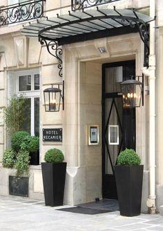 Hotel Recamier, Saint Germain des Prés www. Entrance Design, Entrance Doors, Grand Entrance, Paris Hotels, Exterior House Colors, Exterior Design, Boutique Hotel Paris, Hotel Des Invalides, Door Signage