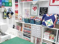 25 organizing ideas for sewing room - The Little Mushroom Cap: A Quilting Blog Sewing Spaces, My Sewing Room, Sewing Rooms, Sewing Room Organization, Organizing Ideas, Bobbin Storage, Changing Spaces, Quilt Ladder