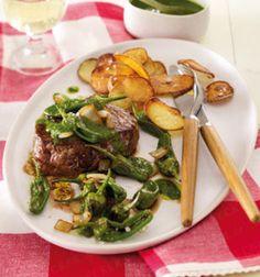 Unser beliebtes Rezept für Steak mit Pimientos und Mojo verde und mehr als 55.000 weitere kostenlose Rezepte auf LECKER.de.