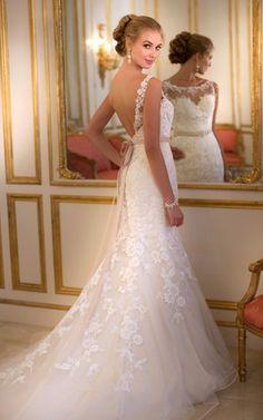 Robe de mariée sirène sans manche en tulle avec dentelle dos nu