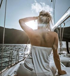 Explore our Santorini Boat Tours. Discover our remarkable day & sunset caldera sailing cruises in Santorini with Angel Sailing Santorini Sailing Tours. Things To Do In Santorini, Cruise Offers, Sailing Cruises, Santorini Island, Sunset Sky, Boat Tours, Catamaran, Sea Food, Hot Springs