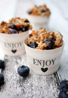 Rezept für Low Carb Frühstücksmuffins mit Chiasamen, Gojibeeren und Heidelbeeren. Perfekt für das gesunde Superfood-Frühstück - Gaumenfreundin.de Foodblog