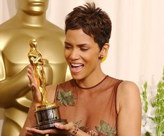 Pin for Later: Revisit Iconic Oscars Moments From the Past!