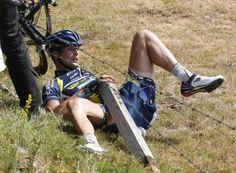 Johnny Hoogerland crash, Tour de France 2011, stage nine