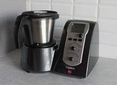 """Je vous présente mon nouveau pote qui vient d'emménager dans ma cuisine : >>>> le robot """"Cook'in"""" de Guy Demarle ! Il est génial je l'adore, merci Nadège En deux mots, le Cook'in cuit à la vapeur, cuit à l'eau, mijote, fait revenir, coupe en morceaux,..."""
