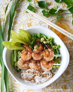 Grilled Lemongrass Shrimp Vermicelli...Oh LAWD my mouth just started watering! This is soooooooooo good! ~Linny