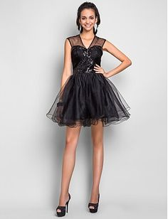 Black Elegant  A-line V-neck Short/Mini Tulle Cocktail  Dress Cap Sleeves  Custom made