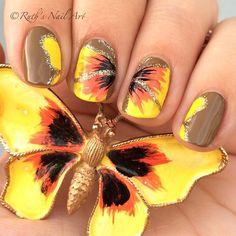 Vintage Butterfly Brooch inspired nails. #ruthsnailart #nailart