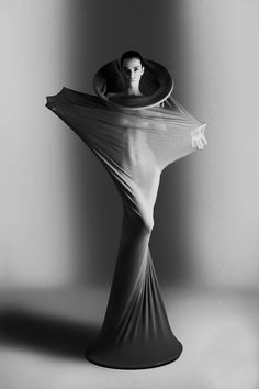 Photography by Olga Zavershinskaya. So futuristic. Fashion Art, Editorial Fashion, Fashion Design, Dress Fashion, Portrait Photography, Fashion Photography, Sculptural Fashion, Future Fashion, Black And White Photography