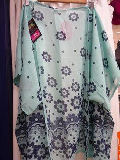 kimono otra de las piezas estrella del verano amplia variedad en MAXI DIEZ c/ San Marcos, Barrio San Juan PLASENCIA todos a 10 euros