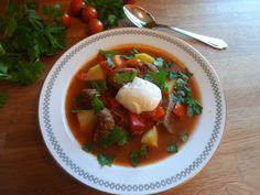 Edel's Mat & Vin : Gulasjsuppe - Gulyás / Gjetersuppe fra Ungarn ! Thai Red Curry, Ethnic Recipes, Hungary