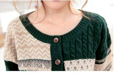 Latest exquisite wooden buckle round neck knitting cardigan