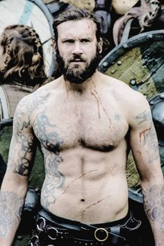 Rollo Temporary Tattoos Vikings Custom order - 2 wolf tattoos for arm - sun and moon for chest - chest-ribs piece - shoulder piece for left arm Vikings Show, Vikings Tv Series, Vikings Ragnar, Vikings Game, Viking Men, Viking Warrior, Film Man, Good Looking Men, Poses