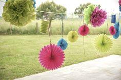 Decoratie voor buiten - lampions, honeycomb balls, fans, pompoms. www.gvgpapersolutions.nl