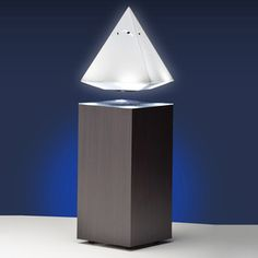 CreaLight Pyramid Table Lamp, 149€, now featured on Fab.