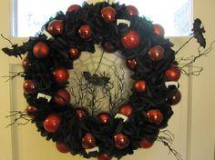 Black rose Halloween wreath Gothic wreath by MimisVintageGoodies