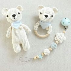 Teil 1 eines zuckersüßen Bärchen-Sets in creme und hellblau: Schmusebär, Ras… Part 1 of a sugary sweet bear set in cream and light blue: cuddly bear, rattle and pacifier chain. And now I sit down to Part a suitable mobile :-] # crocheted Baby Knitting Patterns, Amigurumi Patterns, Crochet Patterns, Crochet Baby Toys, Crochet Bear, Crochet Dolls, Crochet Baby Mobiles, Handmade Baby, Handmade Toys