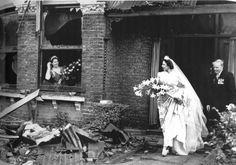 London wedding during the WW2 blitz ~ wwii blitz, vintag bride, london wedding, ww2 blitz, 1940s, weddings, brides, leav, london blitz