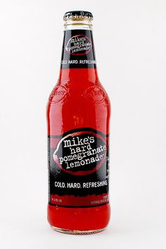 Mike's hard lemonade #softdrinks Mikes Hard Lemonade, Bubble Drink, Alcohol Drink Recipes, Drinking Games, Alcoholic Drinks, Cocktails, Party Drinks, Yummy Drinks, Pomegranate