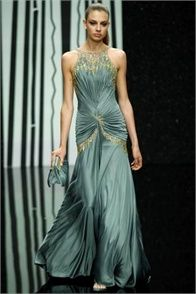Take a look to Abed Mahfouz Haute Couture Fall Winter the fashion accessories and outfits seen on Roma runaways. Style Couture, Couture Fashion, Runway Fashion, Fashion Show, 70s Fashion, Fashion Online, Vintage Fashion, Abed Mahfouz, Vestidos Fashion