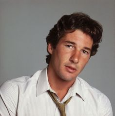 See What 30 Celebrities Over 60 Looked Like When They Were Younger - Richard Gere Source by lorentalexandra - Jack Lemmon, Pulp Fiction, Dalai Lama, Cindy Crawford, Richard Gere Young, Richard Gear, Denzel Washington, Handsome Actors, Clint Eastwood